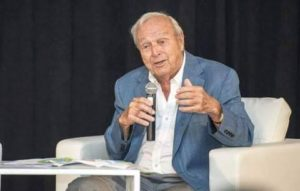 Arnold Palmer at the launch event of Ironwood in 2014.